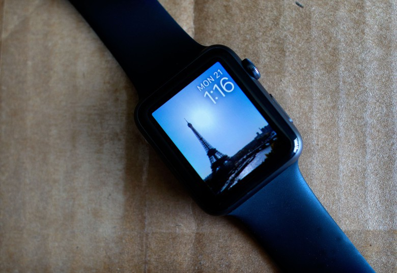 Apple will fix Series 2 watch batteries for free