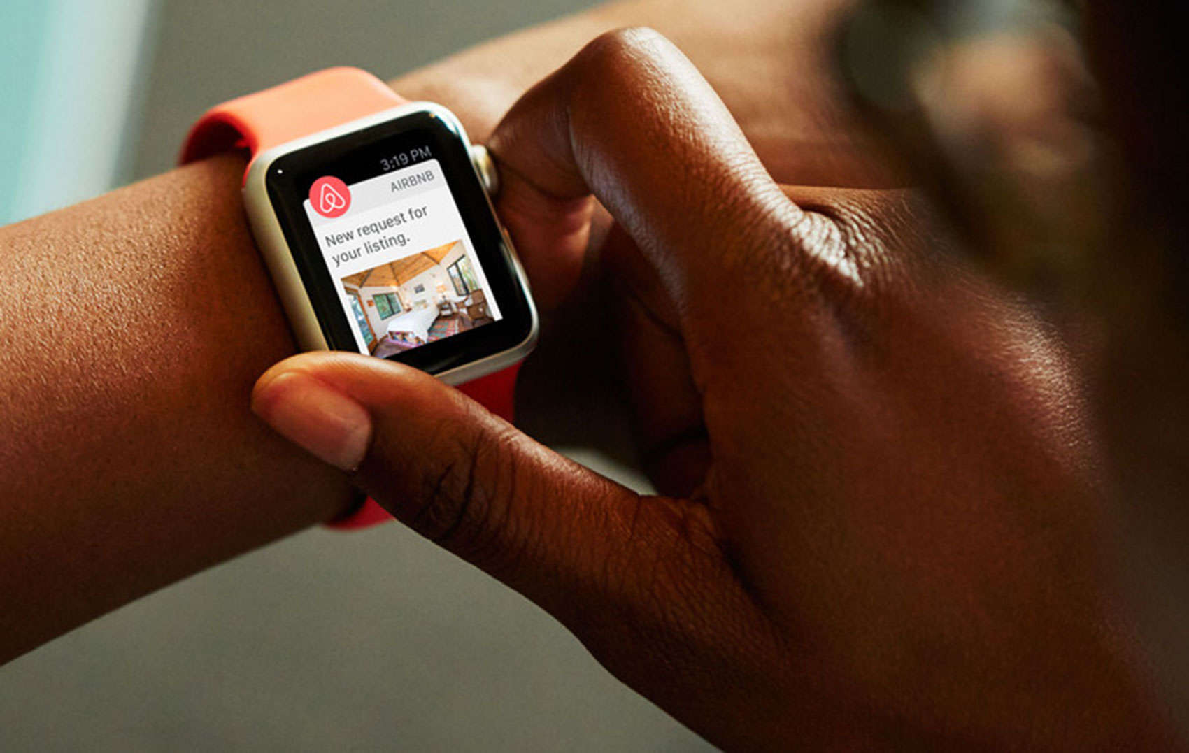 The new Airbnb app for Apple Watch simplifies communication between hosts and guests.