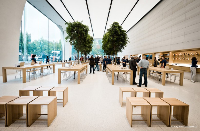 Everyone should be welcome in the Apple Store.
