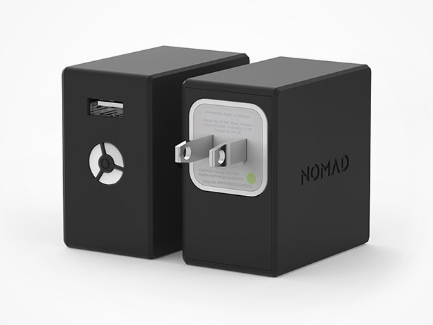 NomadPlus mounts the regular white Apple USB hub, turning it into a portable 1800mAh battery.