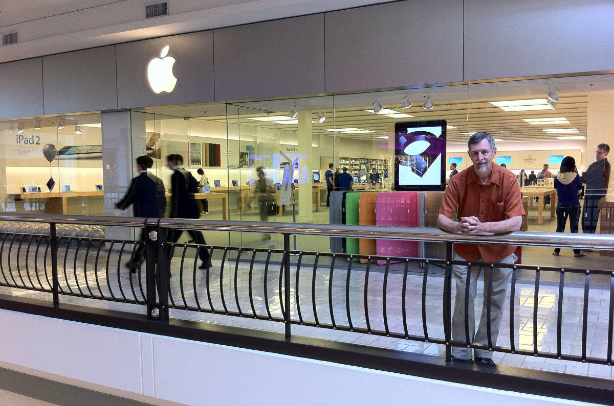 Gary Allen at Apple's store in Tysons Corner, Virginia, just outside Washington, D.C.