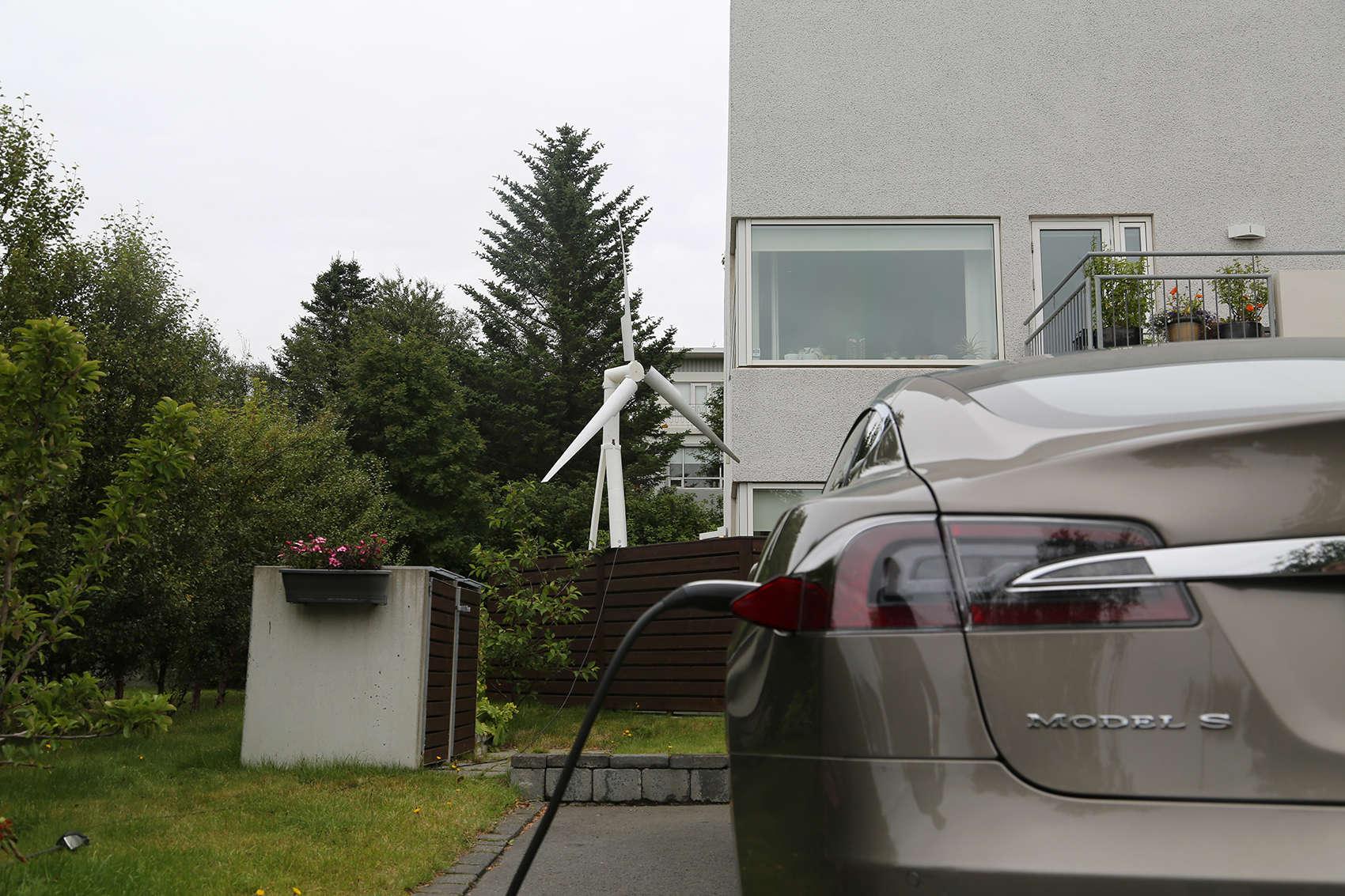 A Trinity turbine powering a house and an electric car.