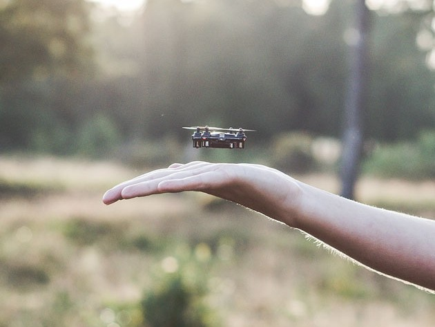 The SKEYE, now available in a limited black shade, is the ideal drone for first-time fliers.
