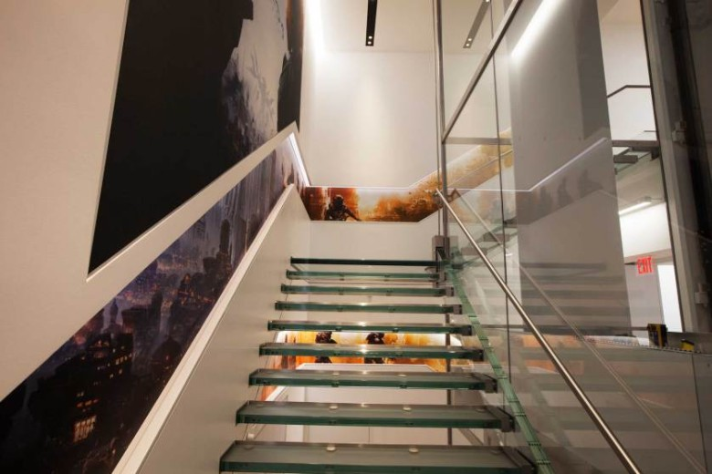 microsoft-glass-stair