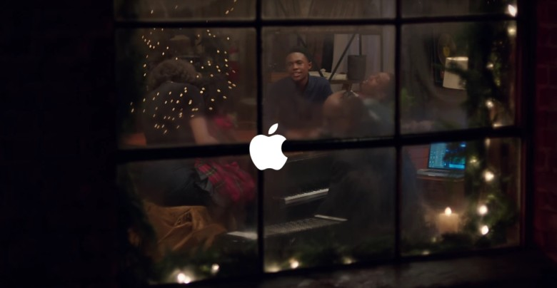 Stevie Wonder and Andra Daye sing 'Someday at Christmas' in Apple ...