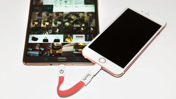 How to charge your iPhone from your Android.