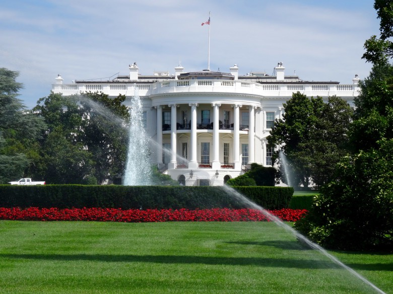 Should Apple takeover the White House?