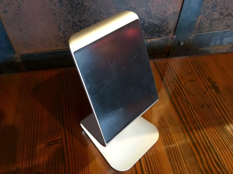 iQunix iPad stand