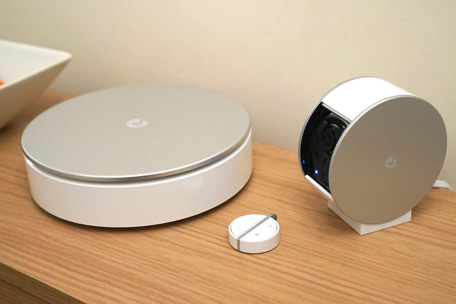 MyFox's wireless home security hardware works well but will cost you a pretty penny.