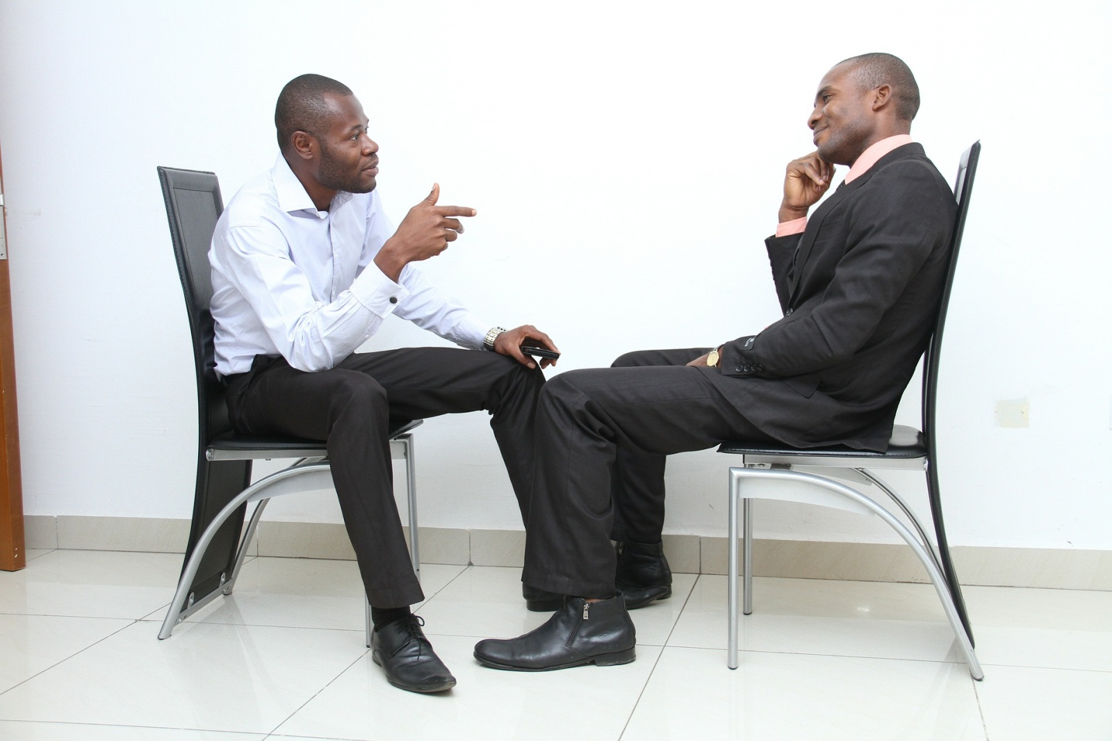 the-google-interview-process-is-harder-but-less-horrible-than-apples-image-cultofandroidcomwp-contentuploads201601Job-Interview-photo-by-Ibrahim-Adabara-jpg