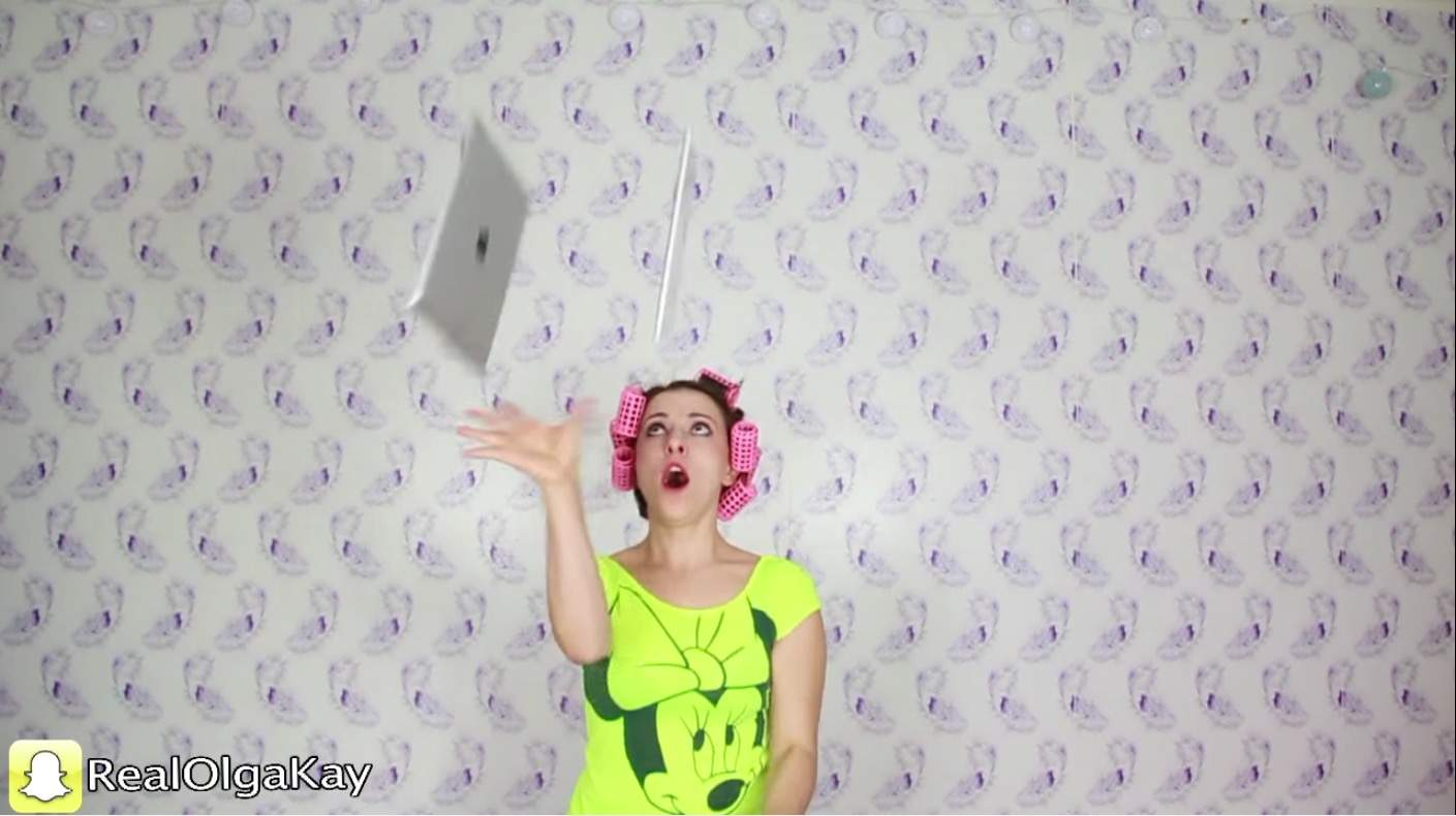 Olga Kay shows off her mad iPad juggling skillz.
