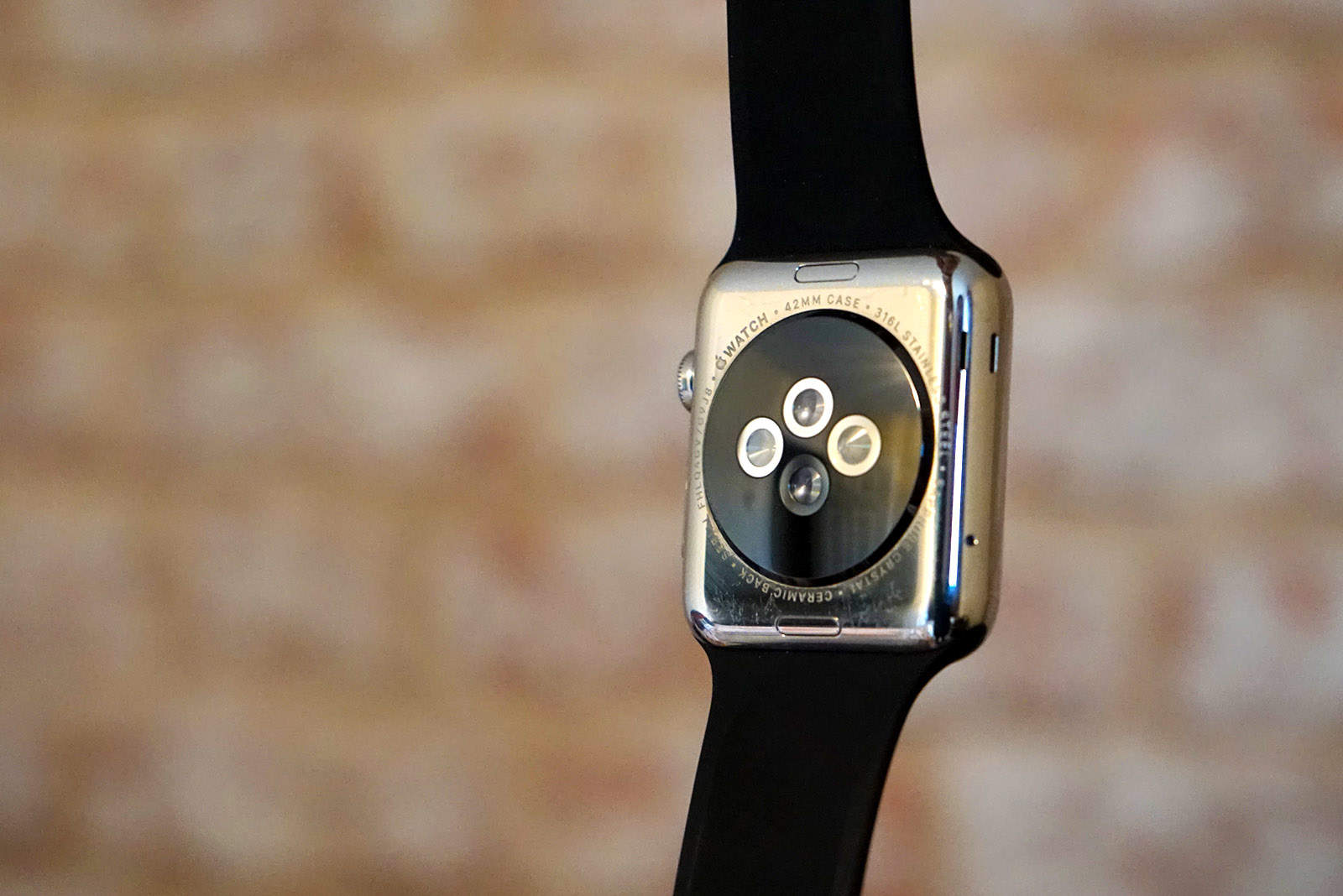Update your fancy wrist computer to the latest watchOS.
