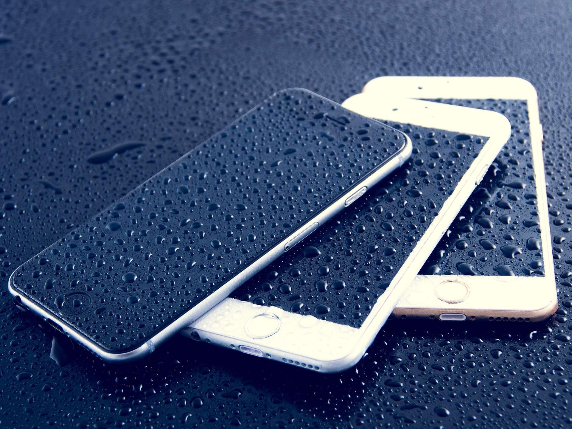 iPhone rain by Dariusz Sankowski encryption 100+ organizations and individuals back Apple vs FBI