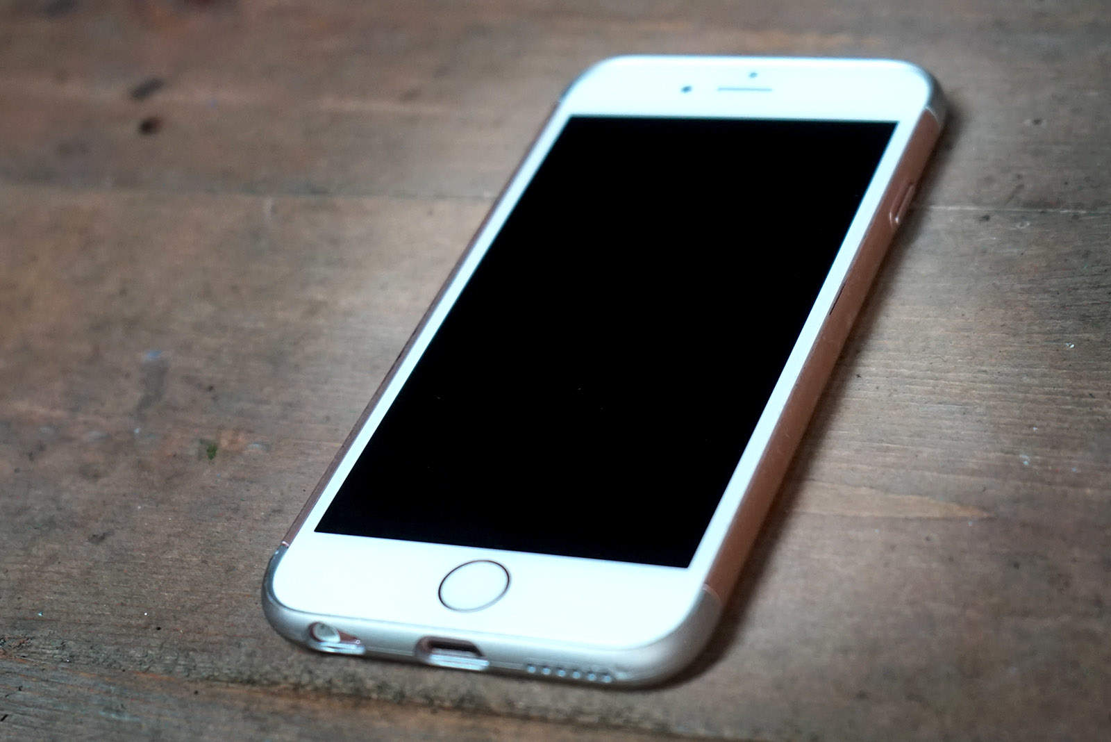 Upgrade Rate Slows by 33 Percent as We Hold Onto Our iPhones Ever Longer