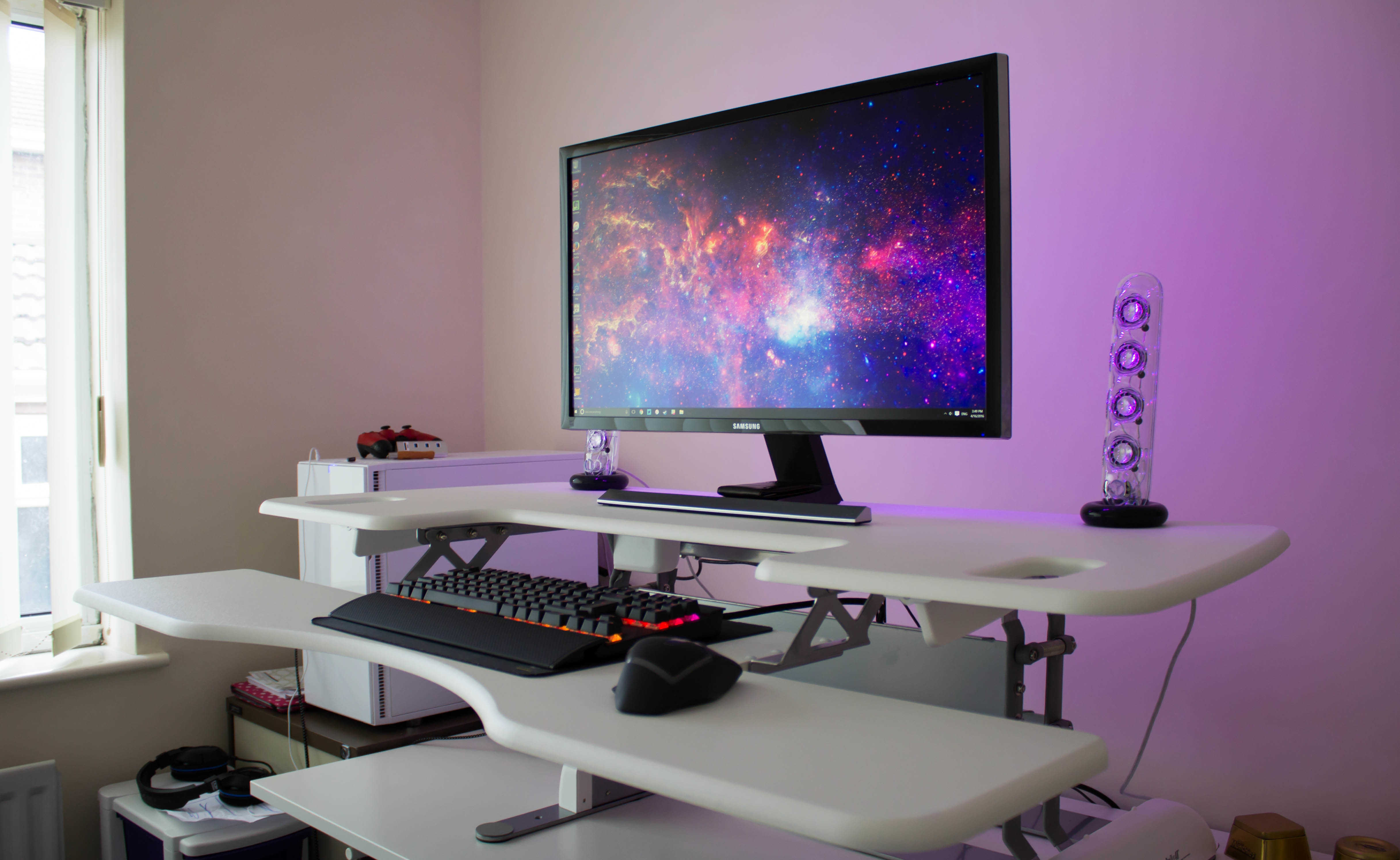Varidesk review standing desks epic reviews - Veridesk Comes Pre Assembled So You Just Have To Take It Out Of The Varidesk