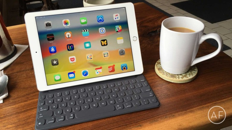 Apple has extended service on the Smart Keyboard for iPad Pro to address