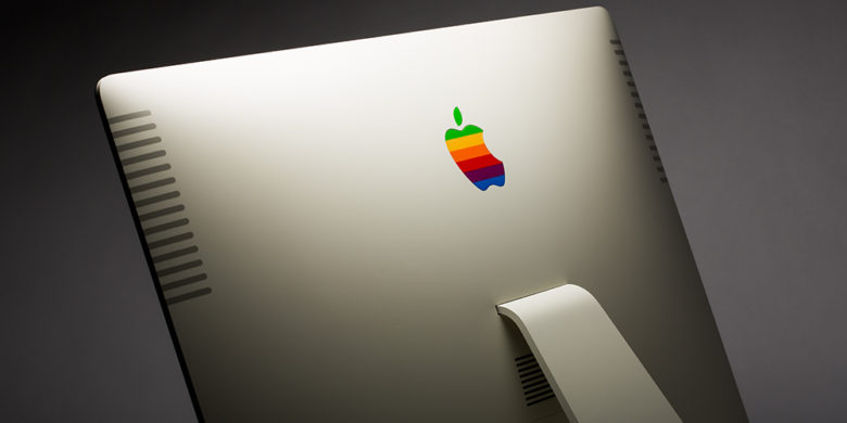It wouldn't be retro with the rainbow Apple logo.