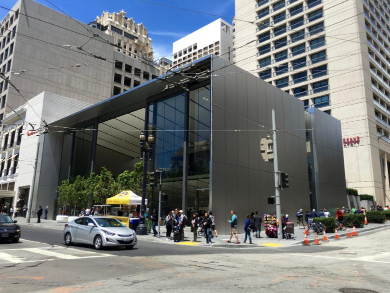 Apple_Store_Union_Square_exterior - 1