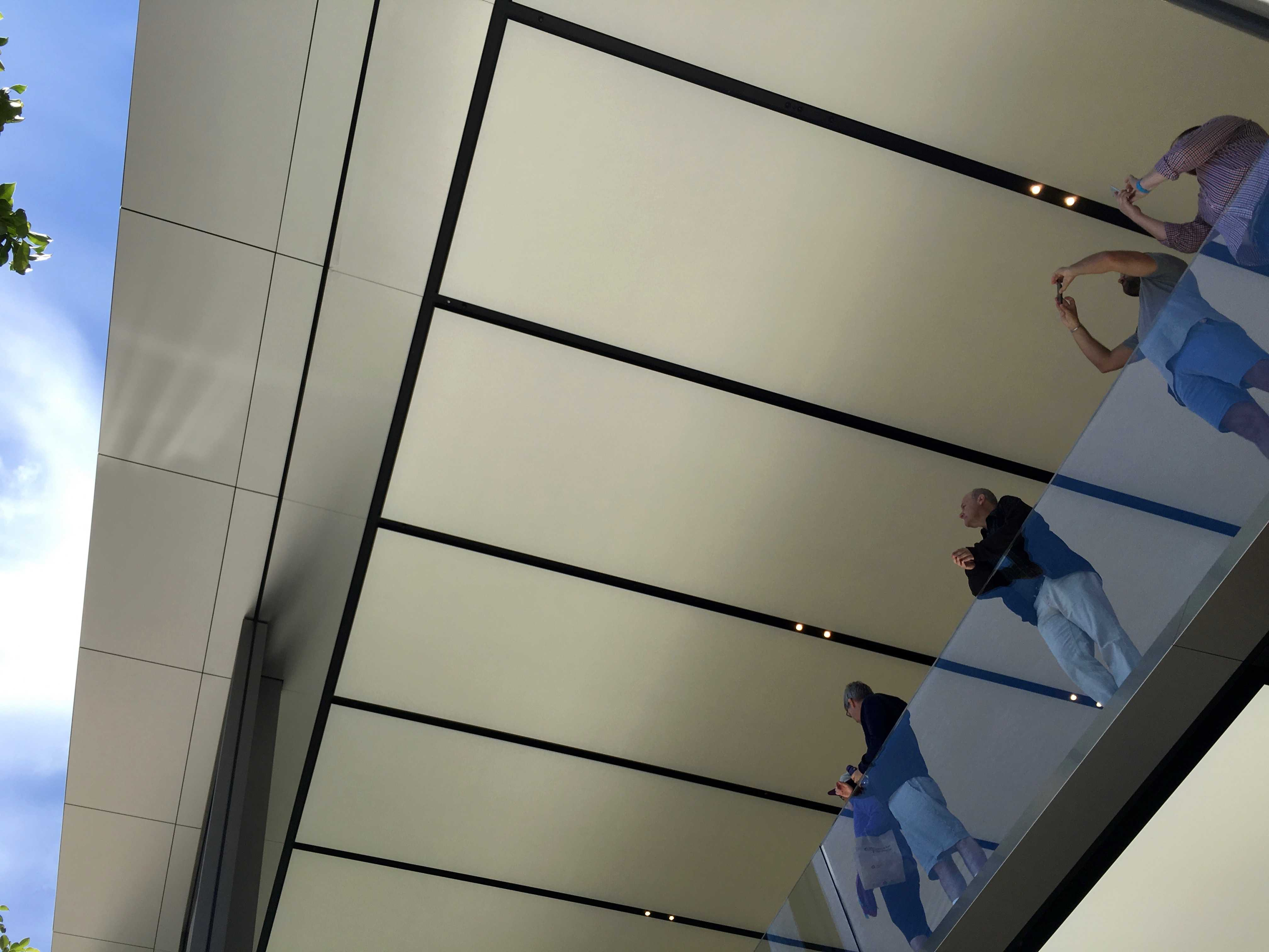 Apple_Store_Union_Square_interior_2 - 1