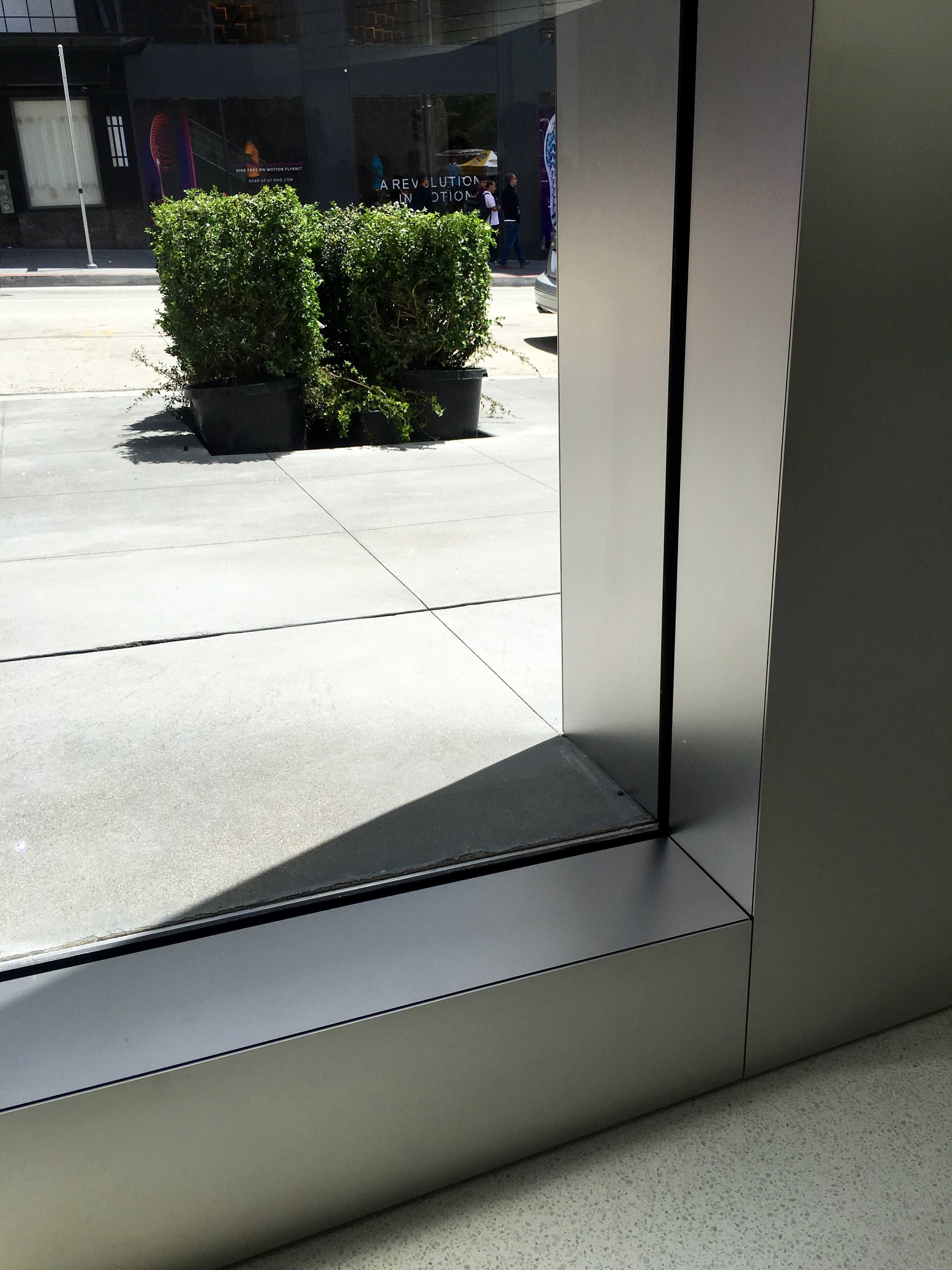 Check out the crazy detail at apples new san francisco store applestoreunionsquarelines3 1 dailygadgetfo Images