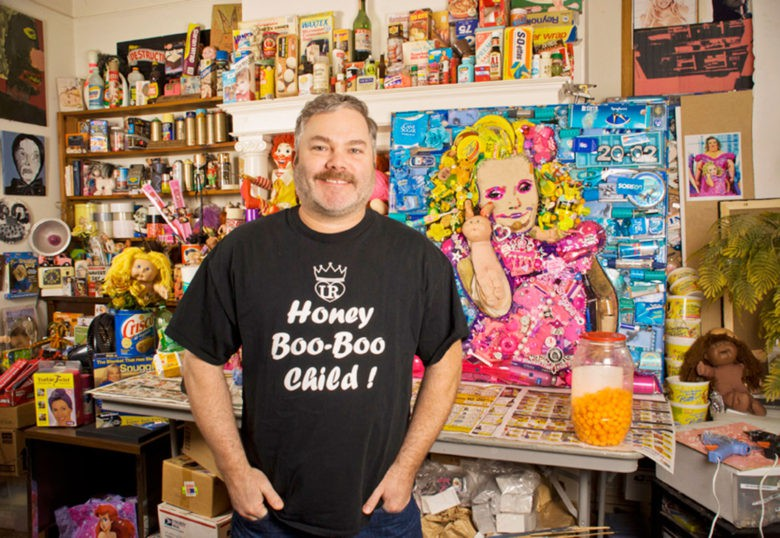 Mercier with a completed portrait of reality TV star Honey Boo Boo.