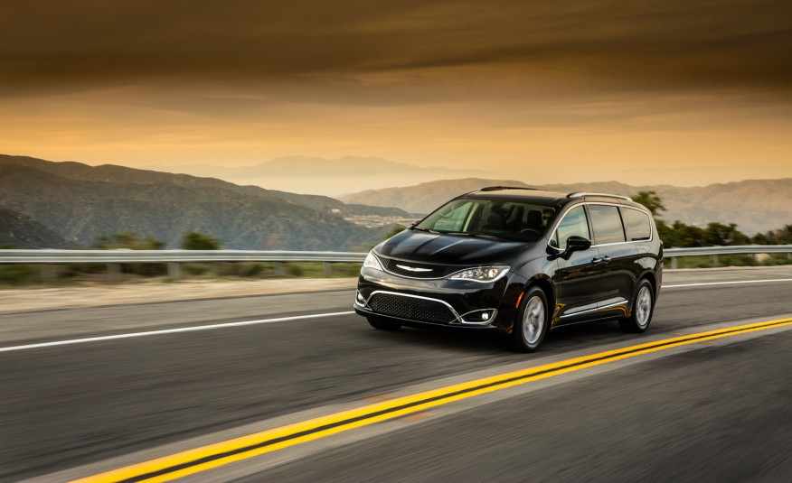 google-teams-up-with-chrysler-to-build-self-driving-minivans-image-cultofandroidcomwp-contentuploads2016052017-Chrysler-Pacifica-1011-876x535-jpg