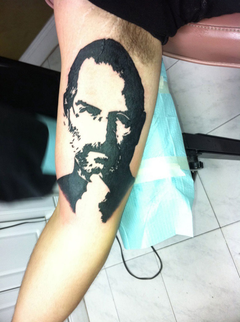 iDan may have been one of the first to get a Job tattoo. This was inked six months before Jobs passed.