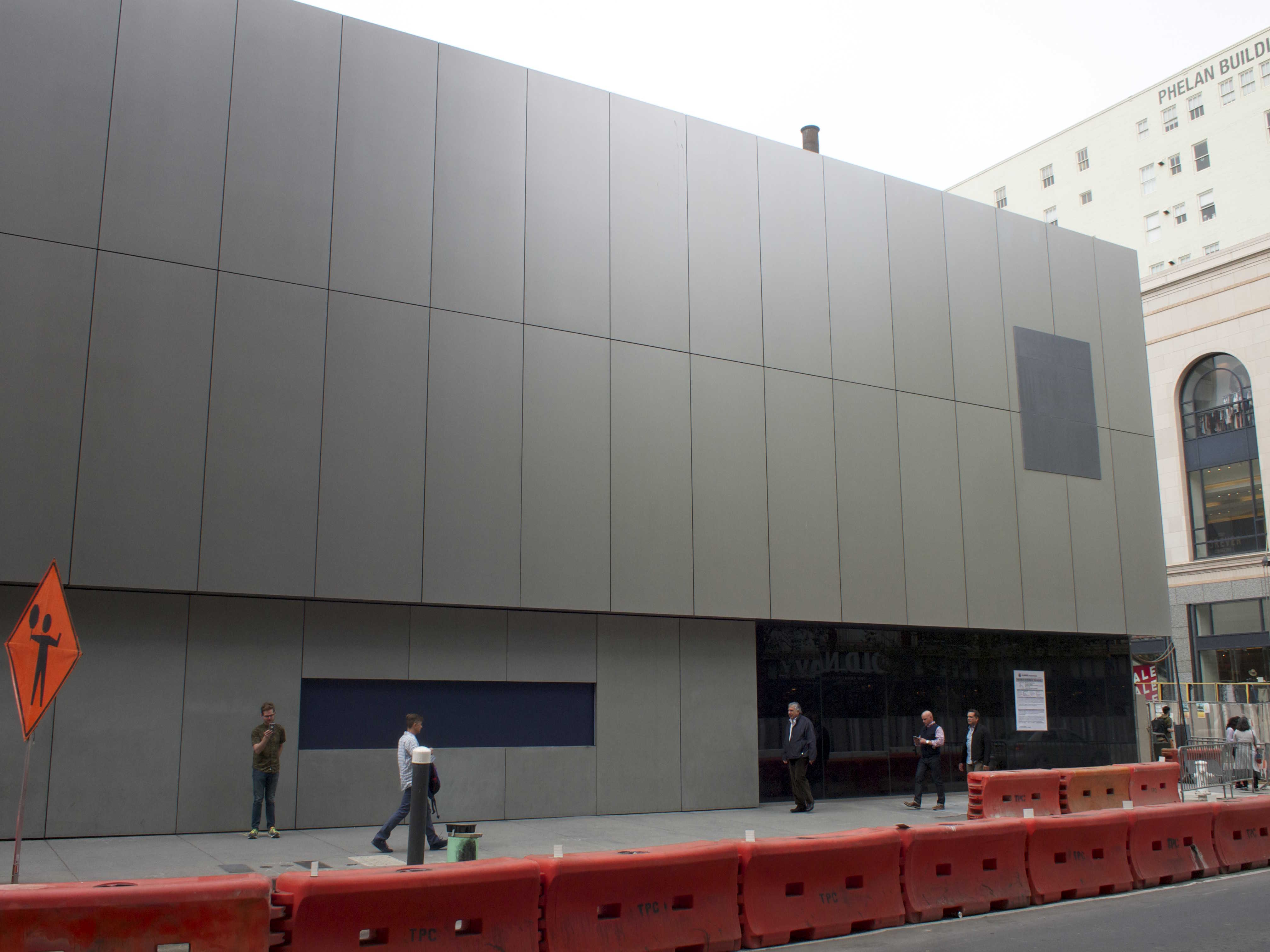 Apple Store Building Cost