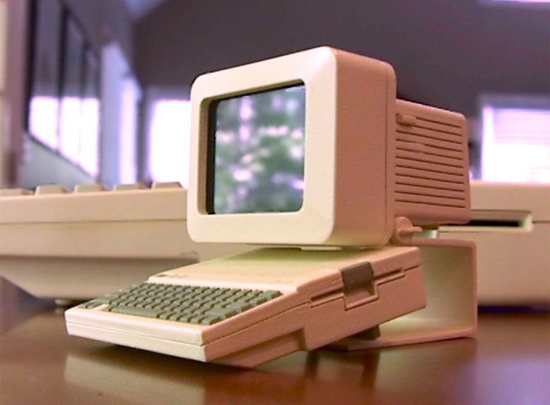 Charles Mangin likes them Apples, especially when he can recreate a 3D printed miniature version of his favorite computers.