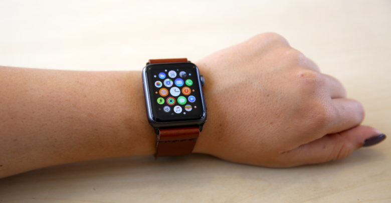 how to download podcast to apple watch