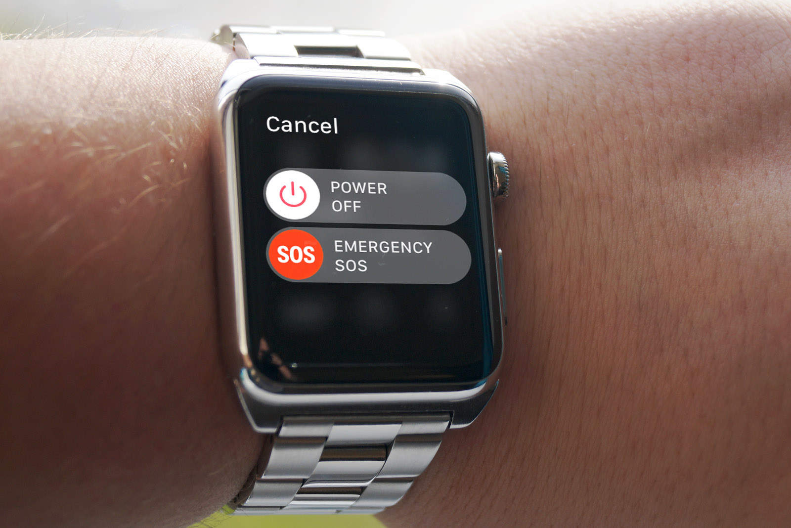 How to send an emergency SOS on Apple Watch