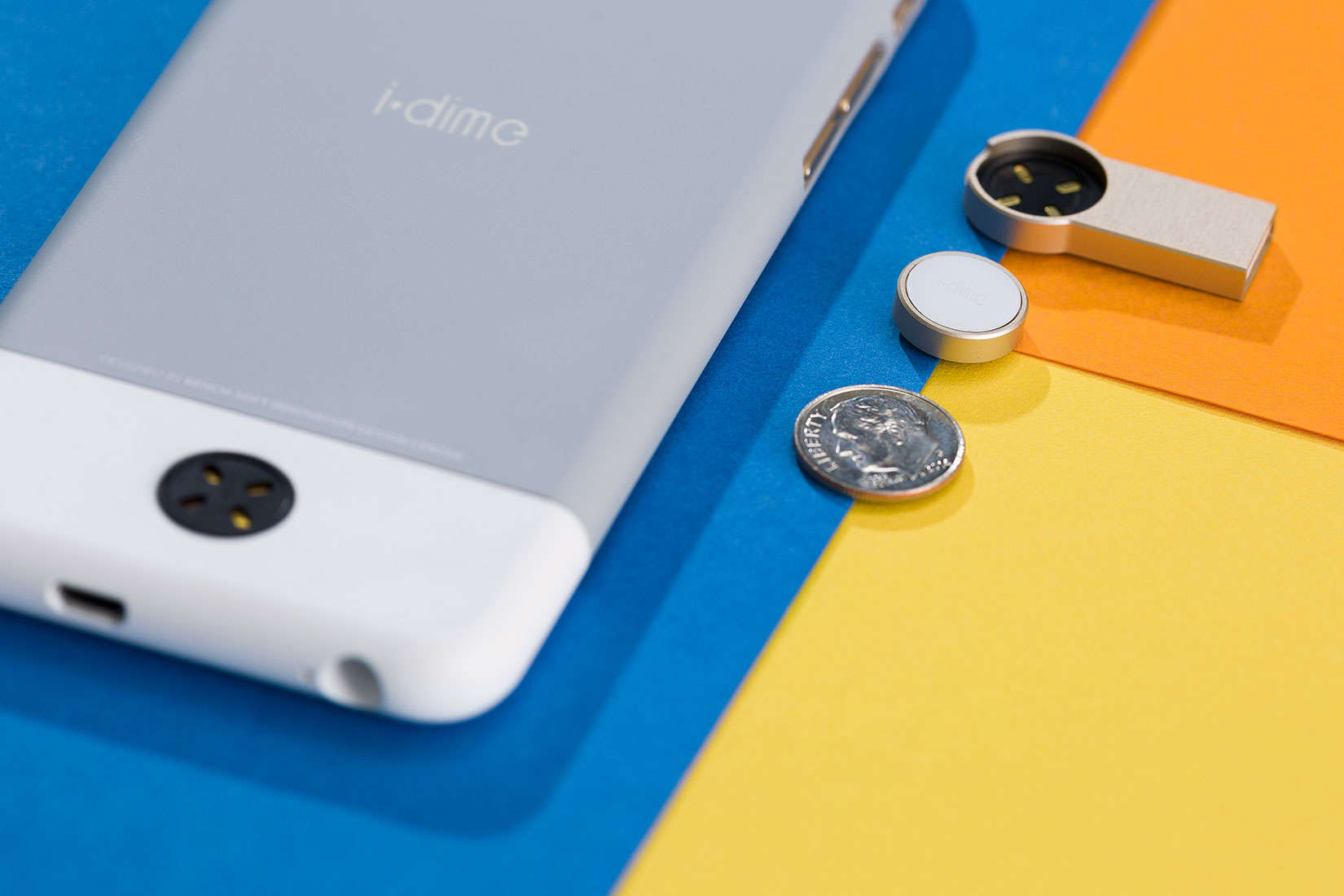 Small like the coin it's named after, the i.dime adds big storage to your iPhone.