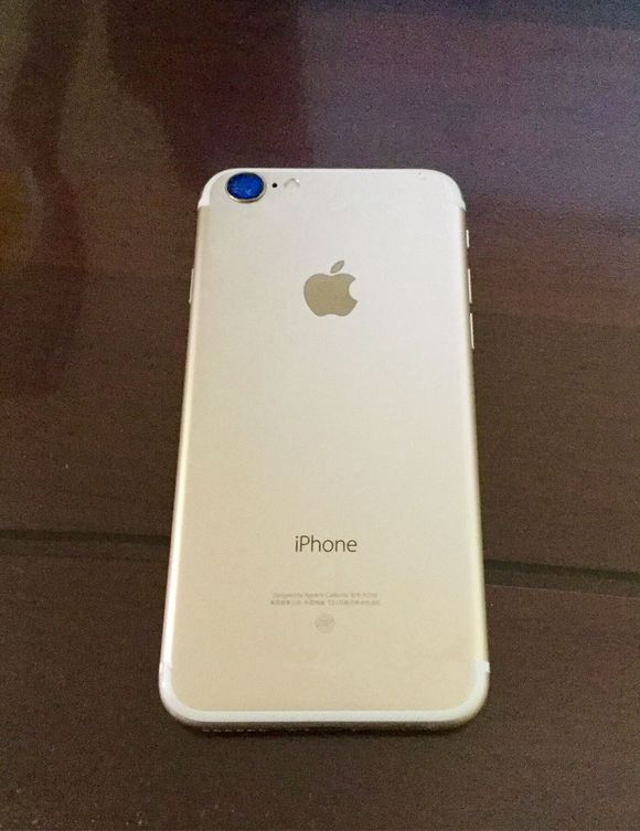 iPhone 7 camera lens