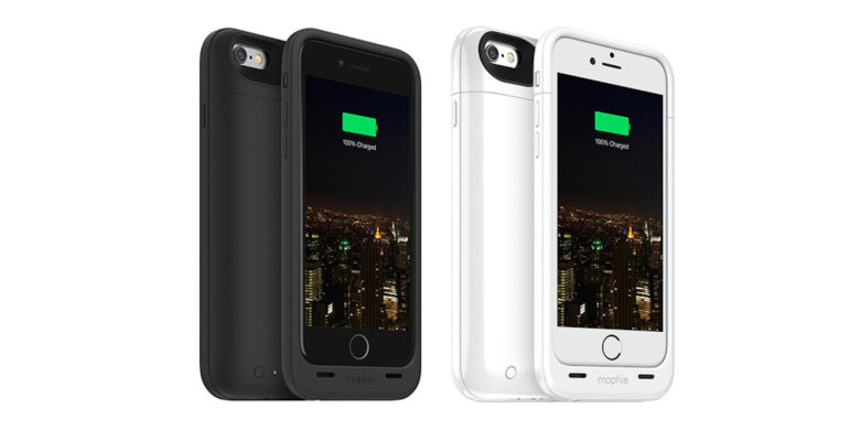 With these cases, you protect your iPhone from drops and drained batteries all at once.