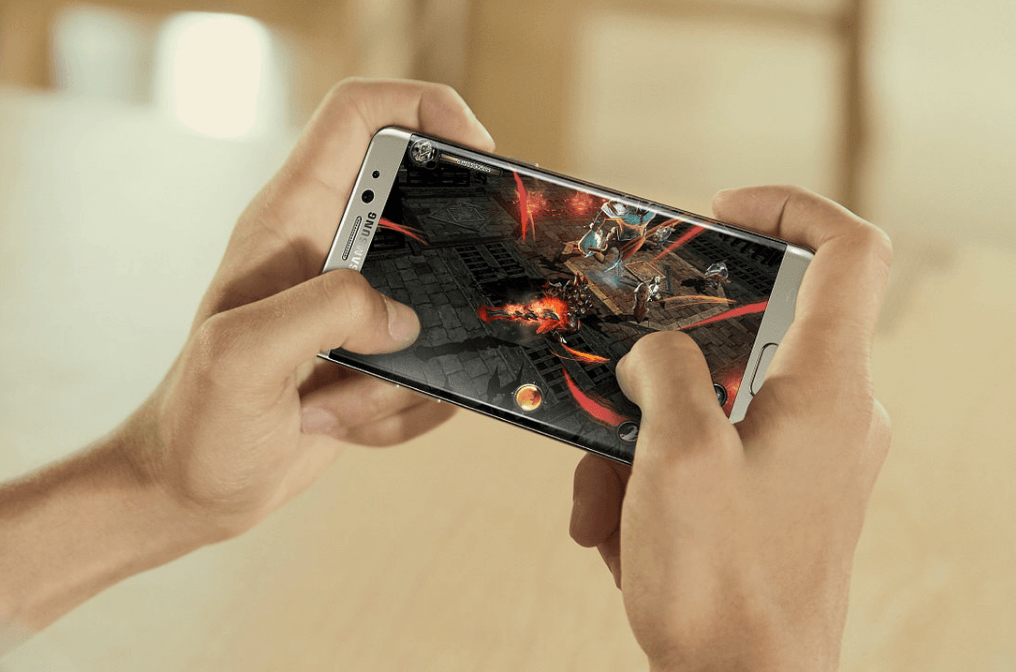 The Galaxy Note 7 is going to take some beating. Here's where Apple should start.