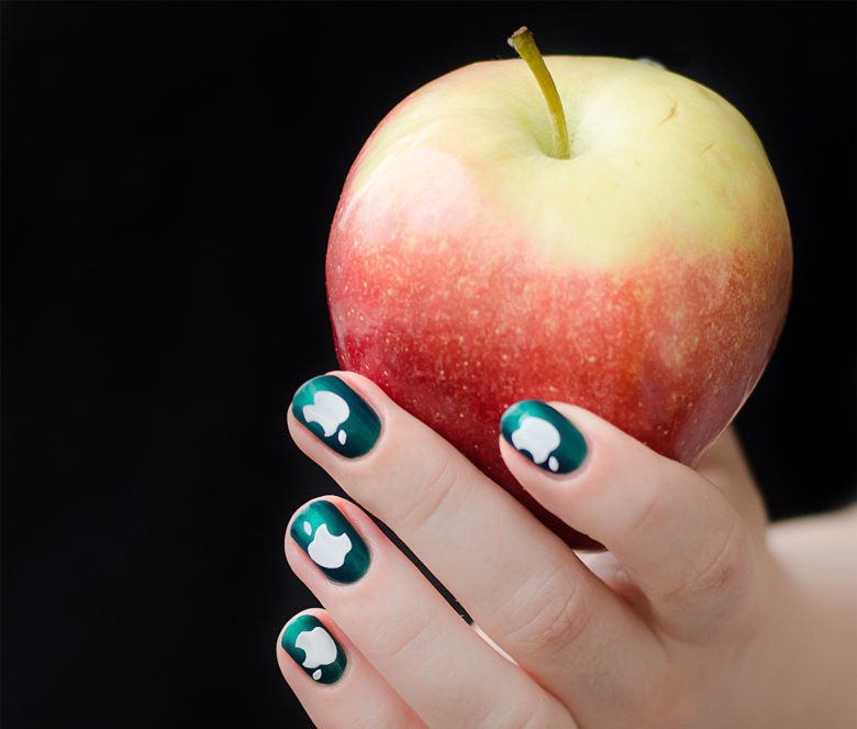 These fans show their love with Apple nail art