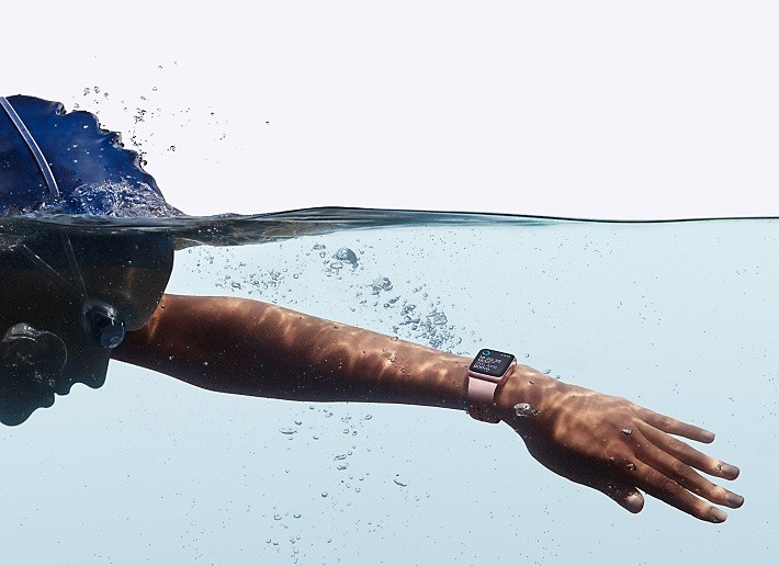 swimmer wearing apple watch
