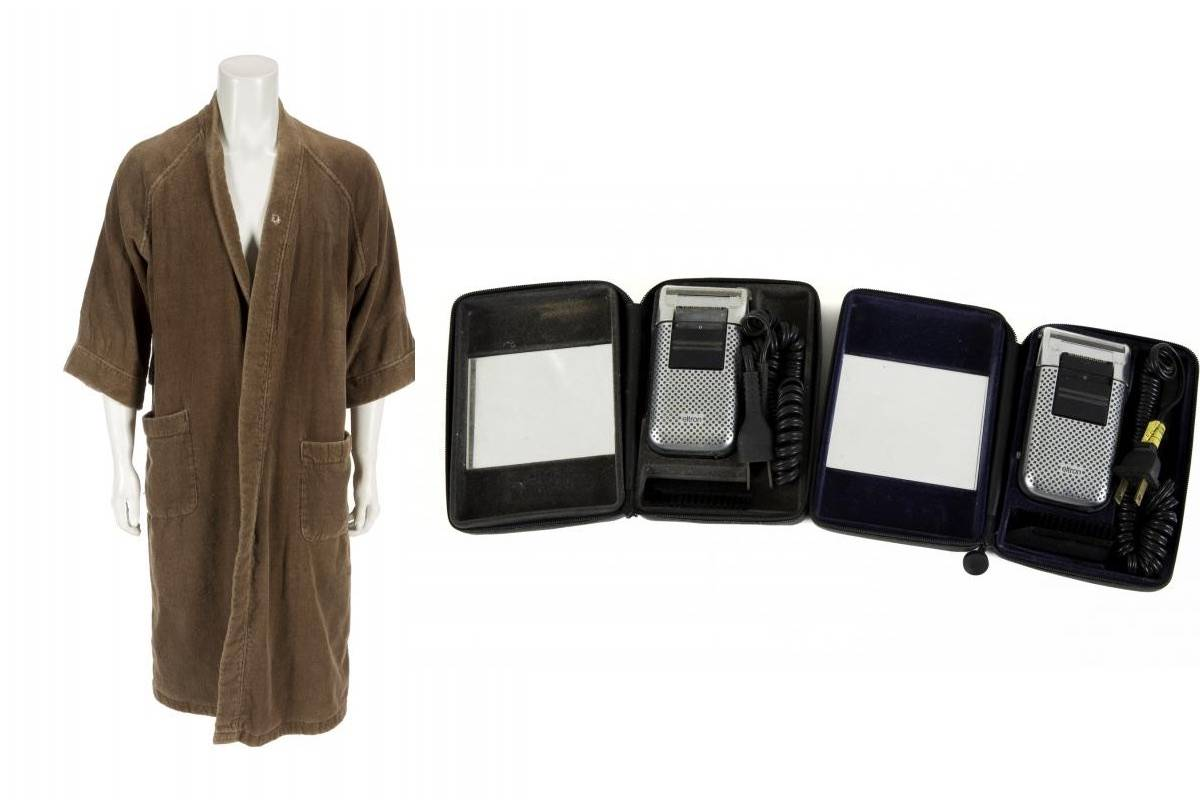 steve jobs' bathrobe