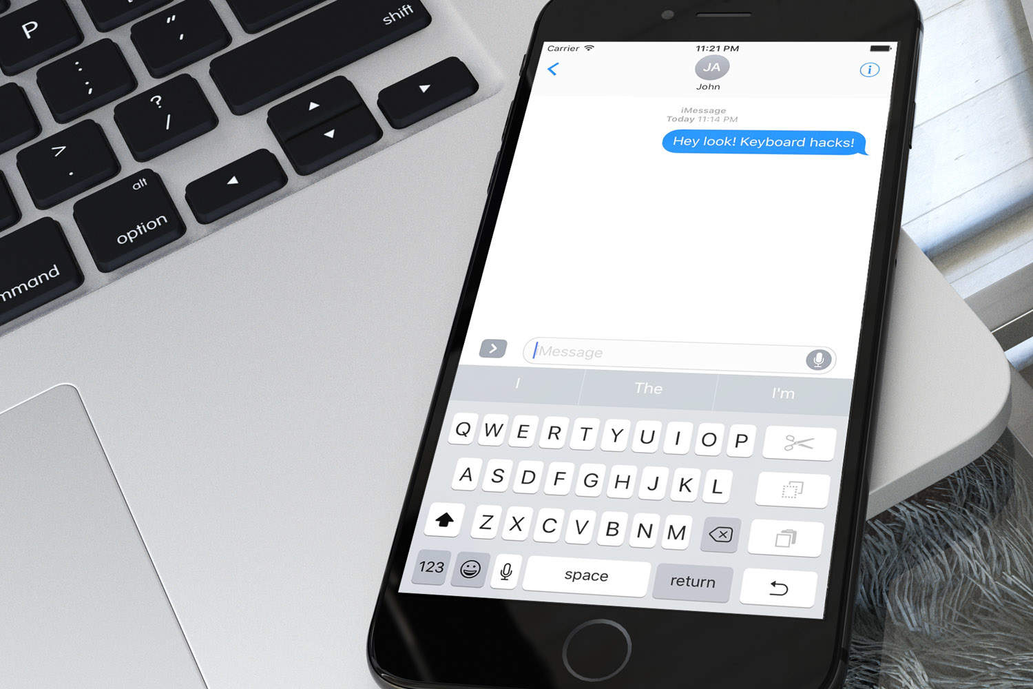 Typing on the iPhone 7 Plus would be so much easier with this keyboard.