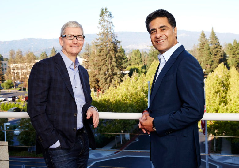 Tim Cook and Deloitte Global CEO Punit Renjen