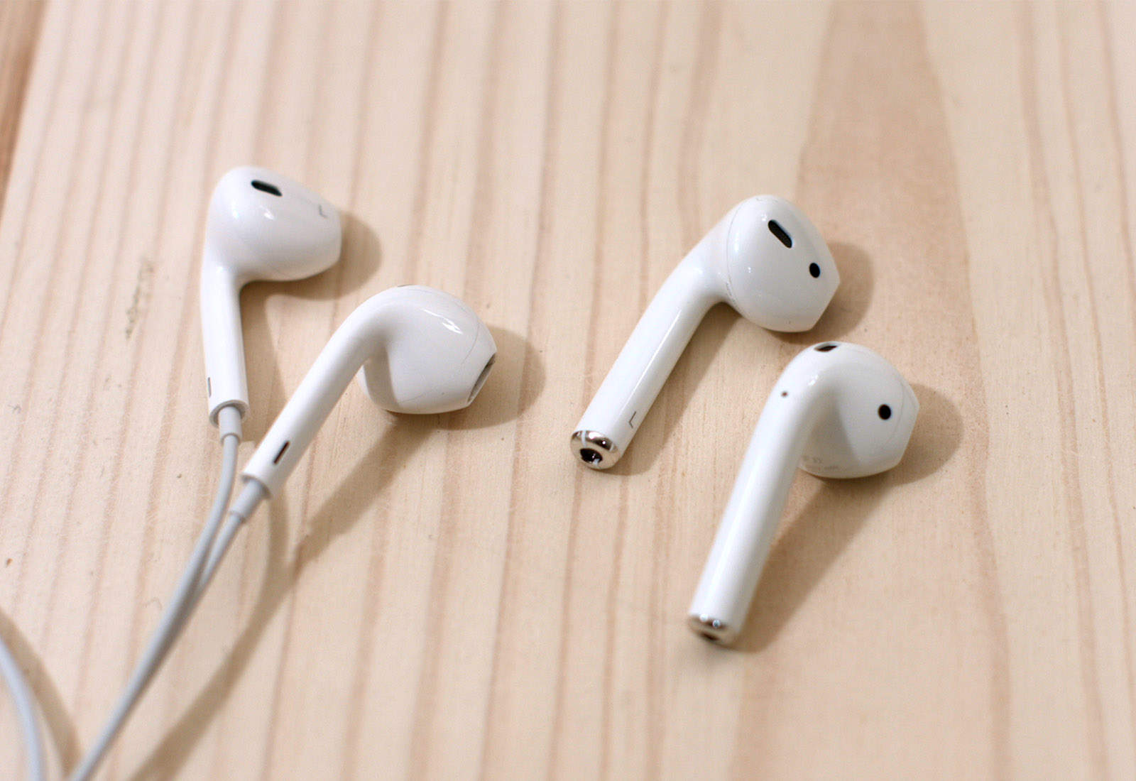 Earbuds apple old - earbuds apple round