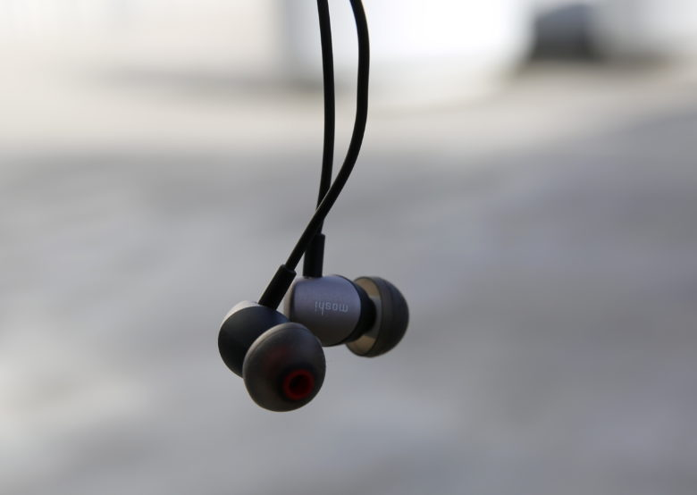 Moshi's Mythro Air Bluetooth earphones