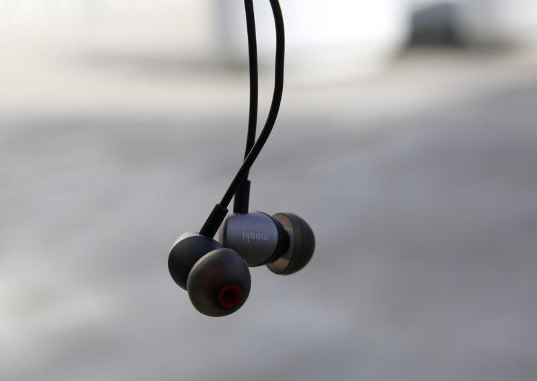 Moshi's Mythro Air Bluetooth earphones