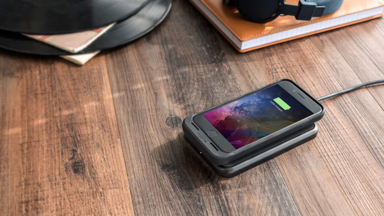 Juicing a dead phone is what the mophie juice pack does best.