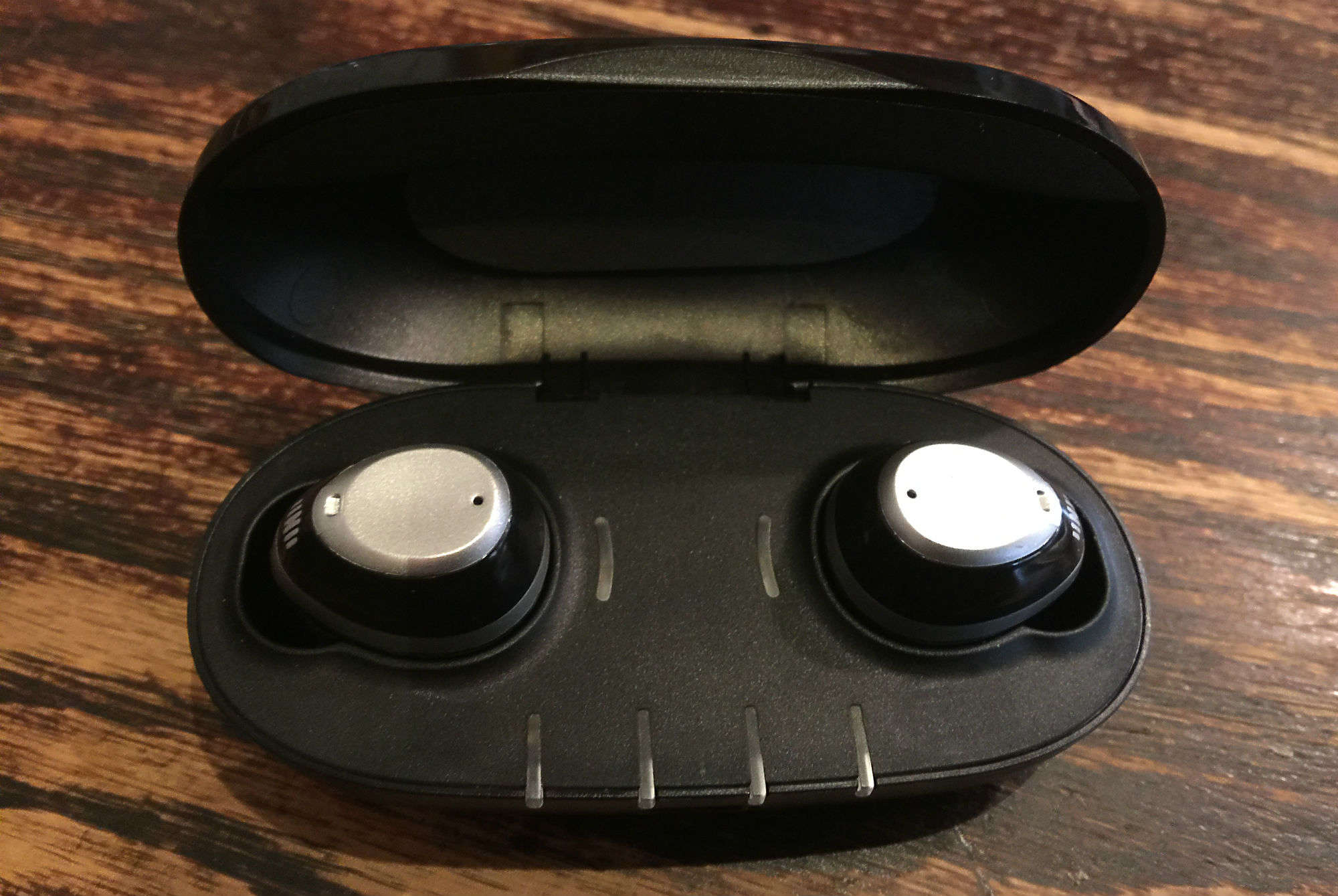 Nuheara's smart wireless IQbuds make AirPods look dumb