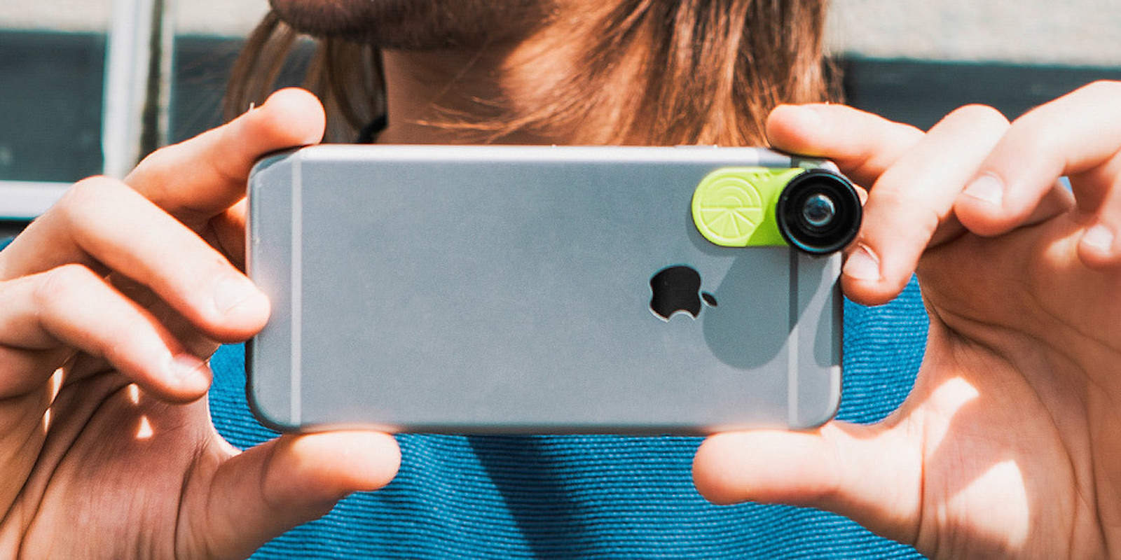 Instantly add a pair of powerful new lenses to your phone or tablet with this click-on adapter.