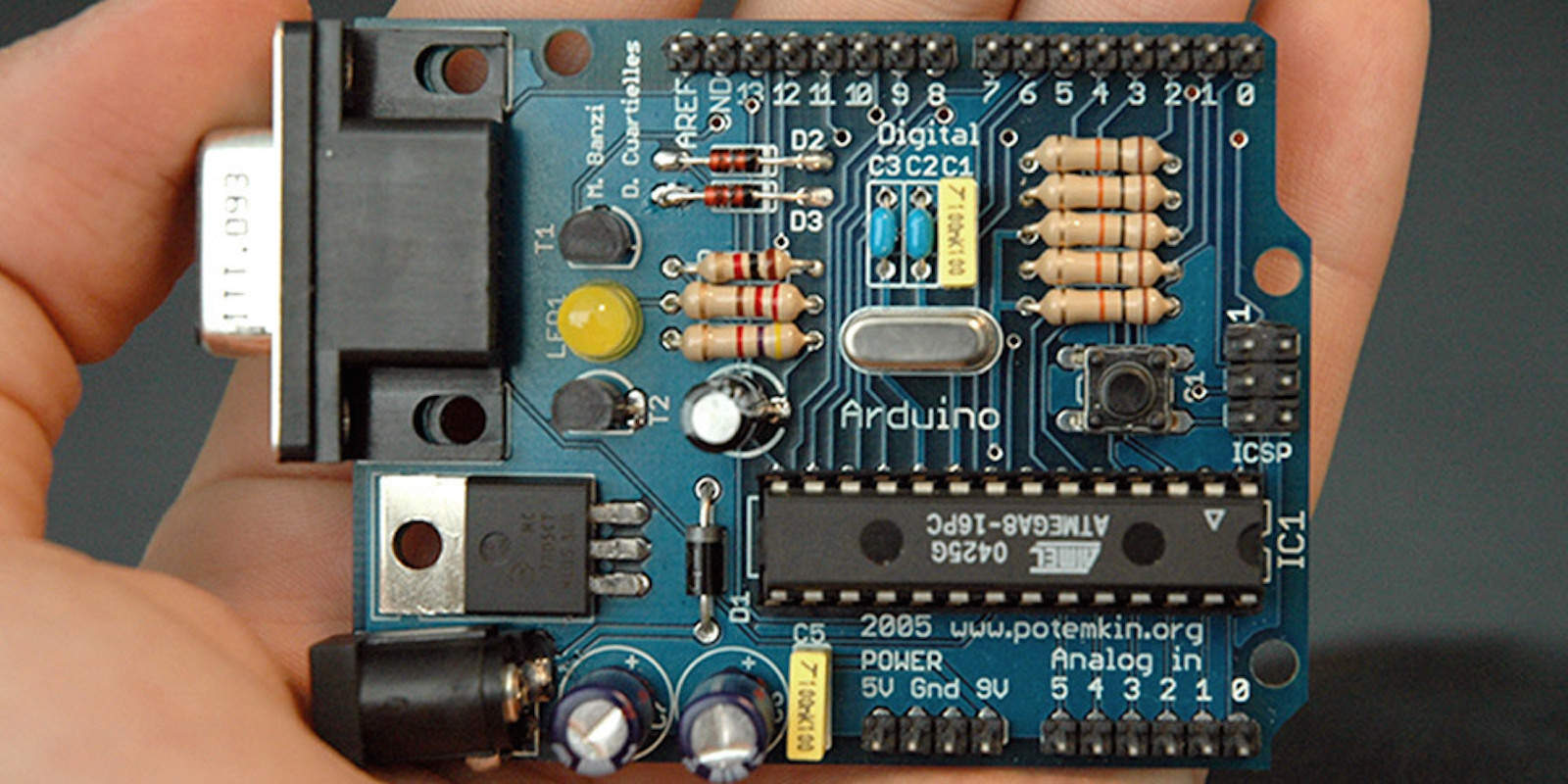 Get the tools and the knowledge you need to build anything you can imagine with Arduino.