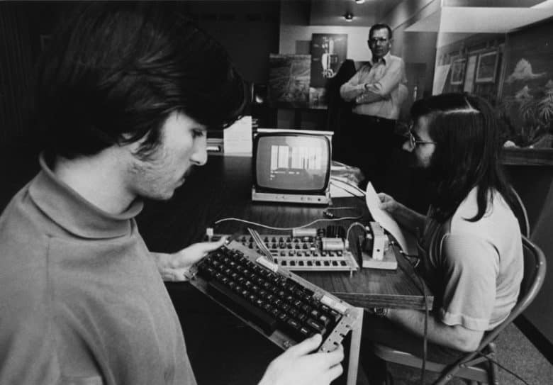 Steve Jobs and Steve Wozniak make important connections at the Homebrew Computer Club.