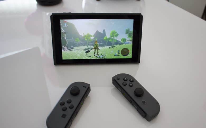 The Nintendo Switch's flexible Joy-Con controllers work just fine with a Mac (but not an iPhone).