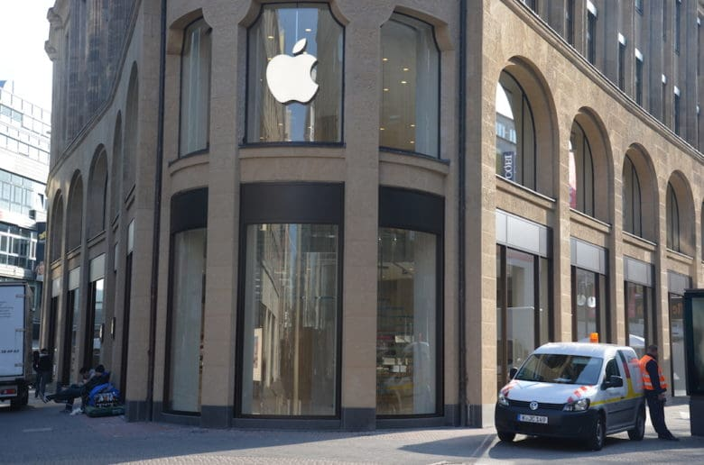 Apple's new store on Europe's busiest shopping street.